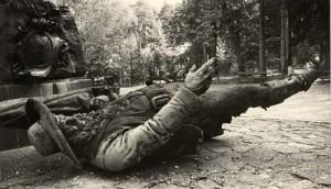 Von italienischen Nationalisten gesprengtes Hofer-Denkmal am Bergisel